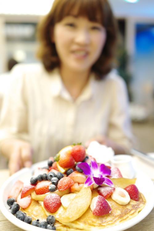 『35mmでいく東京散歩 10』 表参道・明治神宮 「CafeKaiLaの1時間待ちは短いほう?」