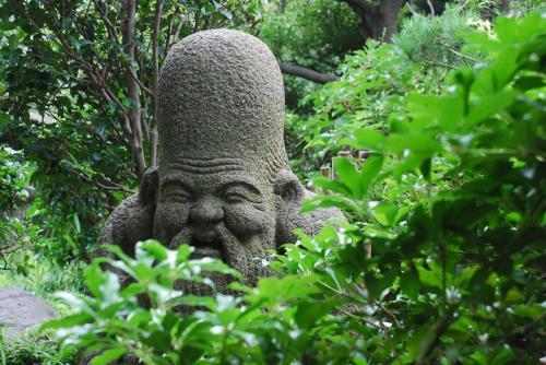 山里を散歩しているような五島美術館の庭園(東京)