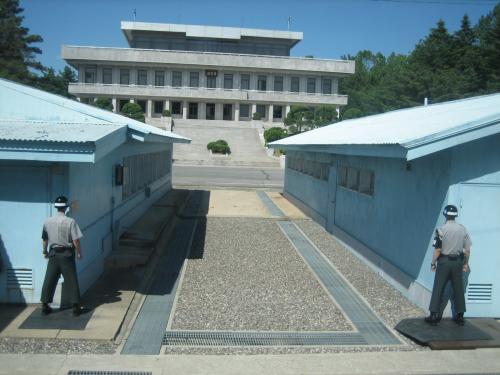 韓国に行った際に、ぜひとも行ってみたかったのがこ... 『板門店ツアーで北朝鮮へ』 [板門店]の
