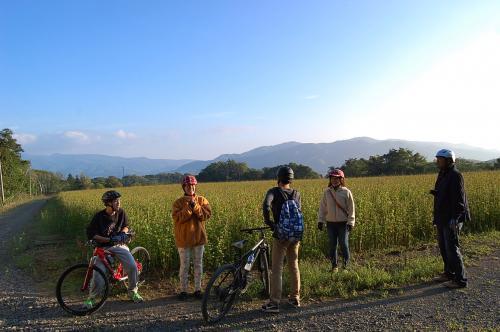 一家5人で北海道へ!(後編) ニセコでダッキーやってチャリに乗って♪ 最後は札幌でアートも。 お泊まりは貸別荘・アンヌプリヴィレッジ。