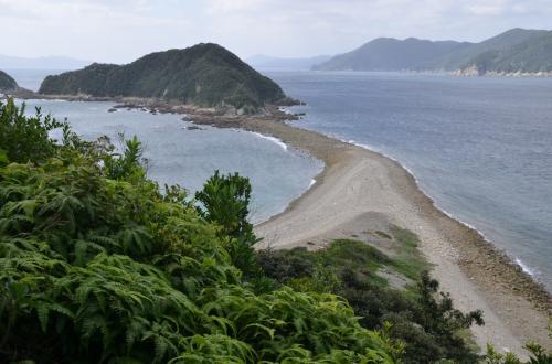 魅惑の島旅 五島列島めぐり 干潮時に出現する浜を渡り前島から末津島へ