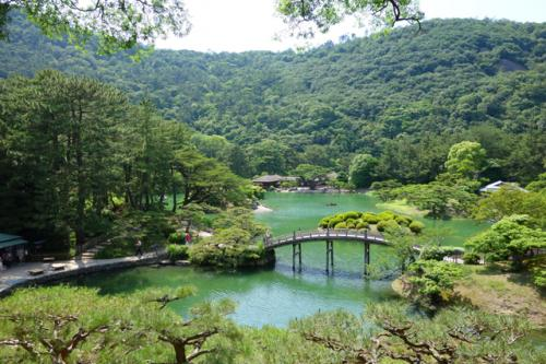 倉敷に用事が出来たので、小旅行。せっかく西側へ行くのだからこれ幸いと、ついでに四国まで足を延ばしてみます。<br /><br />前編:倉敷編<br />http://4travel.jp/travelogue/10951006