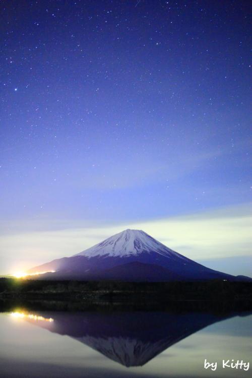 ☆クリスマスの夜空に輝く満天の星と逆さ富士☆ <クリスマスランチ@フェニーチェ&山中湖から見る夕景の富士山&精進湖の夜>