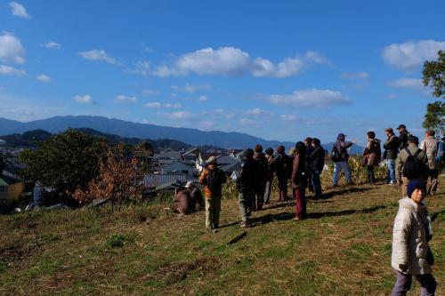 奈良旅−3 明日香村 小山田遺跡現地説明会 下 菖蒲池古墳