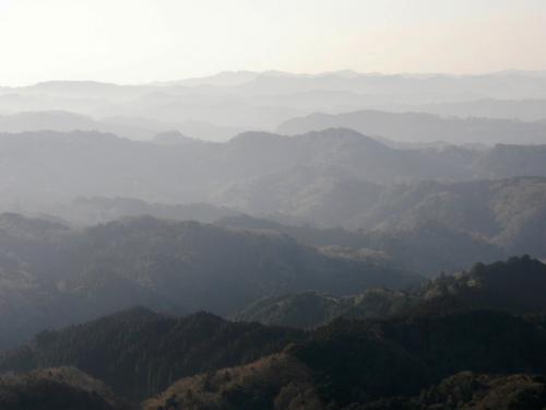 神仏ゆかりの地として知られる鹿野山を歩く