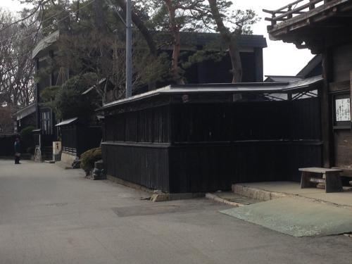 粋な黒塀~♪