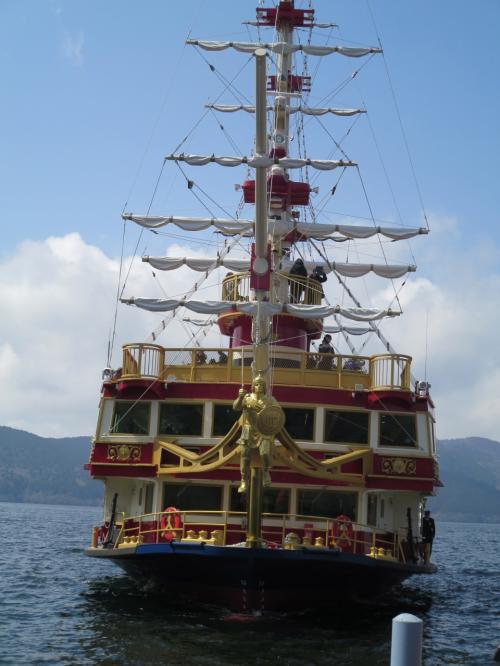箱根神社、海賊船、ロープウェイ、大湧谷、ての湯で温泉&ランチ 小田原城もちょこっと見学