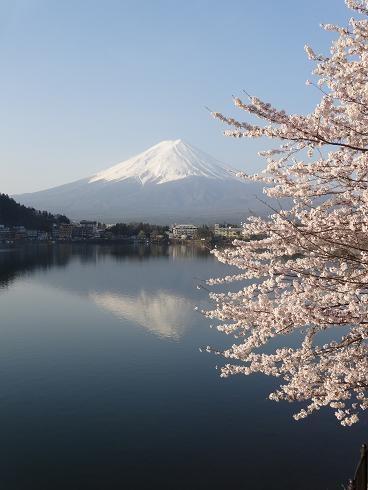 大渋滞の新倉山とはじめての逆さ富士