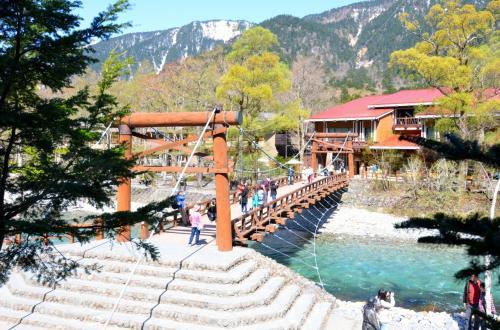 春の訪れを感じながら絶景ハイクの上高地!②ー山岳リゾートに泊まる!『五千尺ホテル』