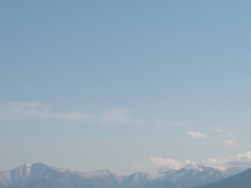 ゴールデンウィークは仕事でした。その代休を北海道でエンジョイしました。<br />北海道での時間が約48時間だったので、こんなタイトルにしました。<br /><br />日程は2015年5月<br />14日(木) <br /> 名古屋・中部空港(ジェットスター)新千歳空港<br /> 道内移動はレンタカーです<br /> 新千歳空港>>帯広(泊) <br />15日(金)<br /> 帯広>>タウシュベツ川橋梁ツアー>>層雲峡>>旭川ラーメン<br /> >>美瑛>>富良野>>星野リゾート・トマム(泊)<br />16日(土)<br /> 星野リゾートトマム・雲海テラス>>夕張シューパロダム<br /> >>牛小屋のアイス>>松原温泉>>新千歳空港<br /> 新千歳空港(ジェットスター)名古屋・中部空港<br /><br />この旅行記は<br />5月14日の帯広と翌朝のタウシュベツ川橋梁ツアーの<br />報告です。
