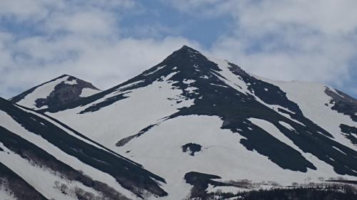 新緑の上高地散策の旅(14) 乗鞍高原・牛留池からの景観。