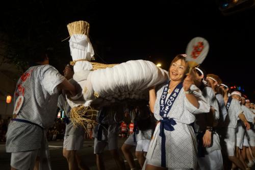 わらじ祭りから八戸三社祭りと黒石・弘前ねぷたへ(一日目)~東京から夕方の新幹線で何とか間に合ったわらじ祭り。とってもゆるい、ゆるゆるのお祭りで~す~