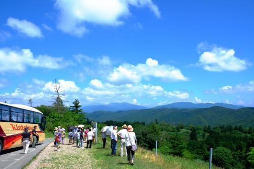 奥三河高原体感モニターツアー「爽やかな茶臼山山麓でブルーベリー摘み取り&ジャム作り体験」
