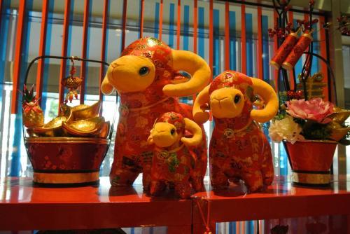 母と一緒に台北の旅をして、すっかり台湾の魅力にはまった妹と私。<br />今度は台北以外の街にも行きたいね!ということでまずは高雄、そしてまた台北を旅してきました。<br />港町高雄は台北とは一味違った楽しみのある良いところでした。<br /><br />【旅程】<br />1月22日 成田発CI103 → 高雄 <br />      高雄ハワードプラザホテル(福華大飯店高雄)泊<br />1月23日 高雄市内観光(旗津・龍虎塔ほか)<br />      高鐵で台北に移動<br />      コスモスホテル(天成大飯店)泊<br />1月24日 台北市内歩き(国立歴史博物館・迪化街・永康街)<br />      コスモスホテル泊<br />1月25日 桃園空港CI108 → 成田
