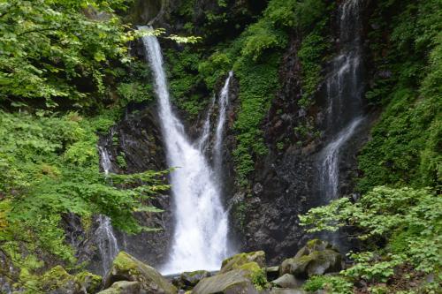 おくのほそ道 第1回 ⑤  裏見の滝・憾満ヶ淵・殺生石  「秋暑し裏見の滝へ向かふ坂」