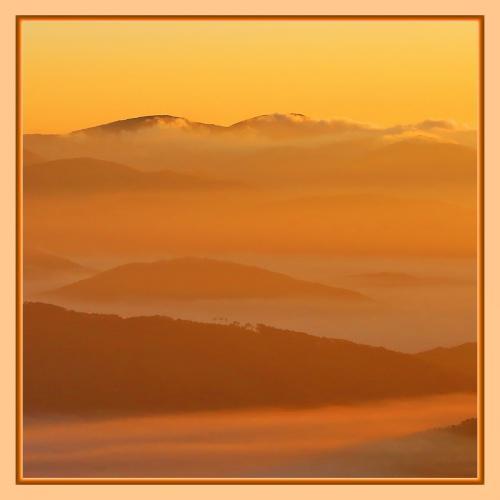 Solitary Journey [雲海特別編]美しく神秘的な雲海と遭遇!まるで雲の上にいるような不思議な感覚です。<掛頭山山頂>広島県北広島町