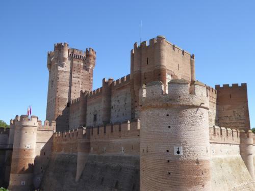 居心地の良い場所へ SWスペイン(4) モタ城とオルメドのテーマパーク・パシオン ムデハル ~マドリードから1泊2日で古城とワインの旅~