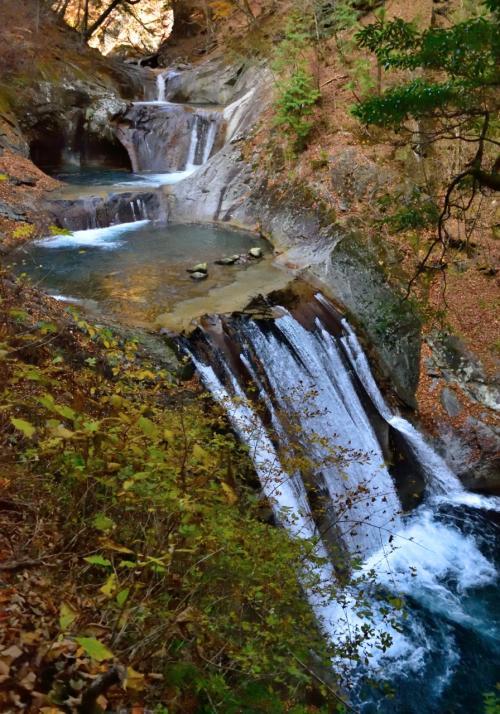 2015年秋 山中湖ロッジ滞在記(2)名瀑・奇岩が続く西沢渓谷紅葉ハイキング