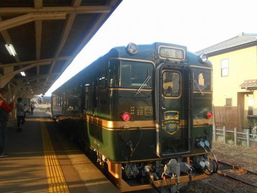 楽しい乗り物に乗ろう!  JR西日本 「ベル・モンターニュ・エ・メール(べるもんた)」  ~氷見・富山~