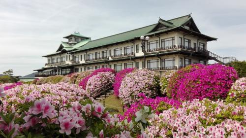 「蒲郡」 昼からハードに、蒲郡クラシックホテルのツツジ、竹島一周、日帰り入浴、そして最後はラグーナテンボスまで楽しんじゃう旅