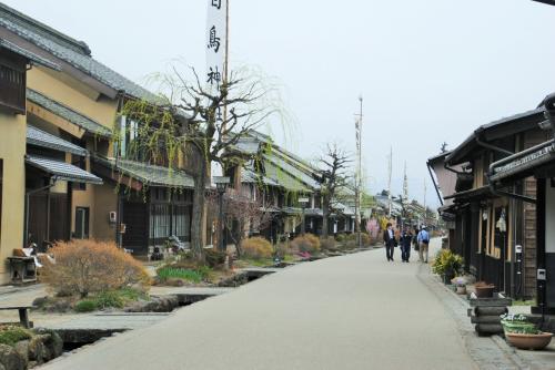 86歳の父と82歳の母を連れて上田城千本さくら祭り~夜桜~海野宿に行ってきました。母は昨年秋の大たい骨の骨折後、初旅行です。その③信州上田稲倉の棚田~海野宿へ