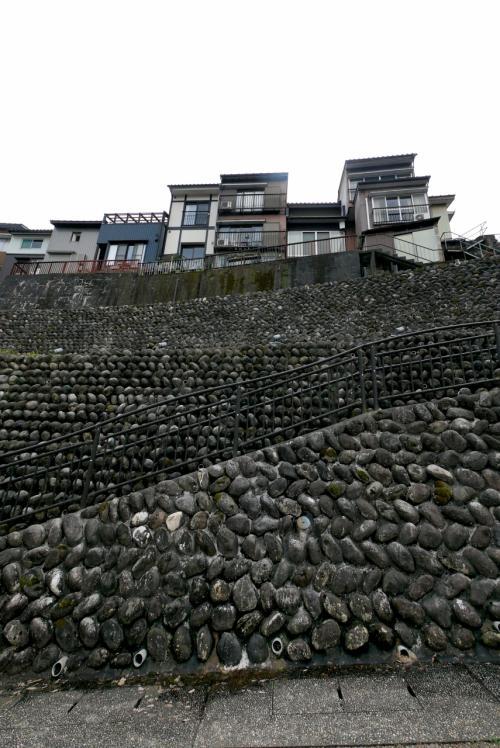 富山に白えびを食べに行く5終-八尾散歩続き,聞名寺,禅寺の坂,成子大橋の桜,海鮮どーん