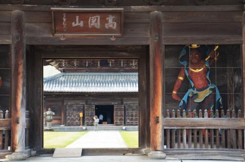 富山県 禅宗様式の最高傑作 高岡山瑞龍寺に行ってみた オッサンネコの家族旅