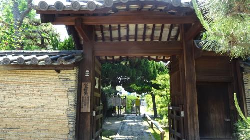 堺市 三好長慶建立の古刹・・・南宗寺の境内鑑賞。