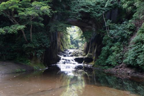 濃溝の滝から鋸山