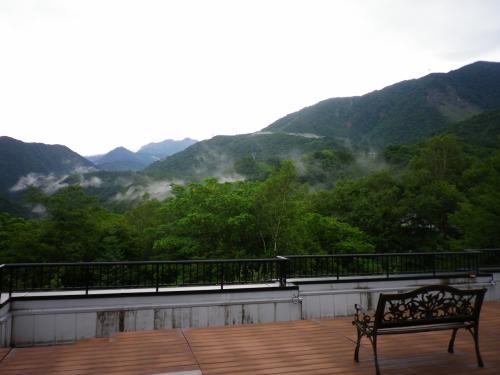 夏の奥飛騨温泉郷・中尾高原で癒し 新穂高ロープウエイに乗って涼を求める