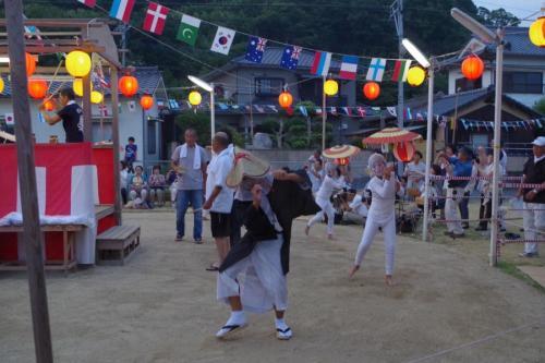 大分ふっこう割を使って、国東半島・姫島に行ってきました。8月14,15日は姫島で盆踊りが行われます。姫島の盆踊りは、鎌倉時代の念仏踊りから発展したものといわれています。
