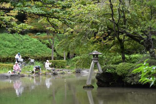 有栖川宮記念公園の湧き水をたどり広尾界隈の散策(東京)