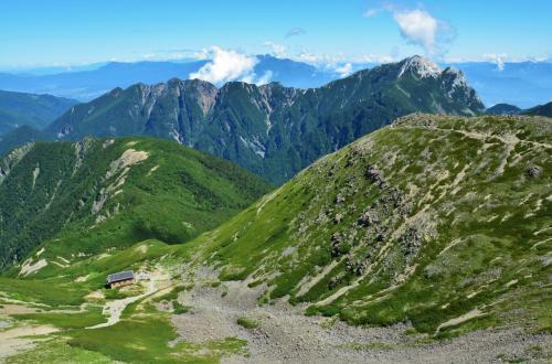 山梨県 高度3,000米の高みへ 南アルプスの女王「仙丈ケ岳」に登頂する オッサンネコの一人旅