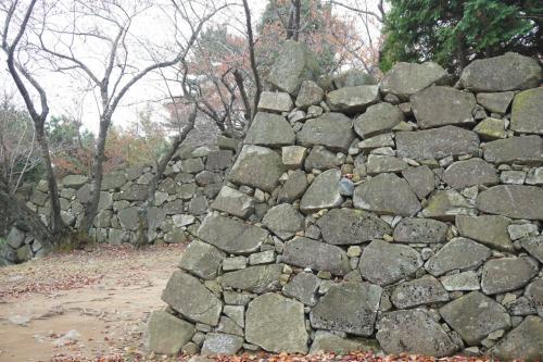 ご覧頂きありがとうございます。秀吉の朝鮮出兵の時に加藤清正公が建てた西生浦倭城(ソセンポウェソン)に行ってきました。2016年9月から、釜山から西生浦倭城に行くバスが運休となりましたので、行かれる方はご注意下さい。ネットで書かれている旅行記や情報誌の内容では行くことが出来ません。