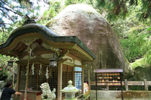 天孫降臨の磐船神社、枚岡神社、井上内親王の御霊を祀る御霊神社