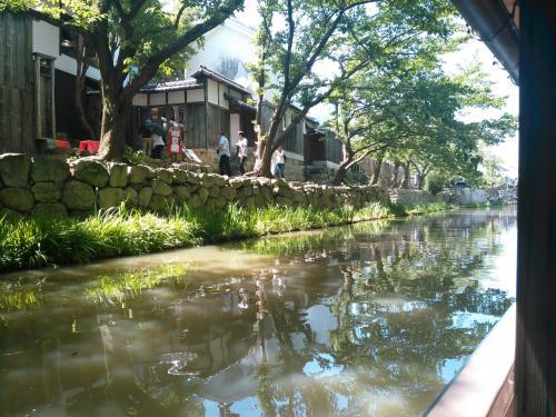 ゴールデンウイークに近江八幡の水郷巡りをしました。帰路に彦根城に立ち寄りました。