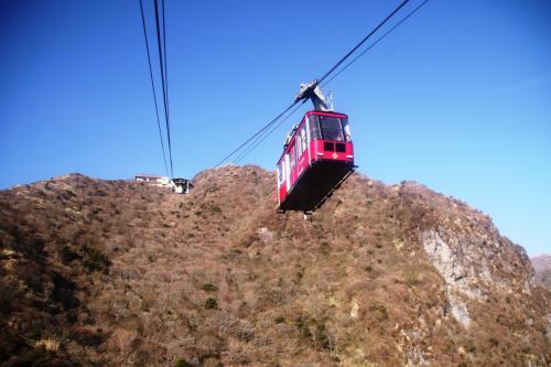 仁田峠の駐車場から、標高1333mの妙見岳までは雲仙ロープウェイ