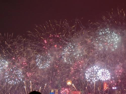 香港のカウントダウン花火を目的に年末年始を香港へ!<br />いろいろまわって、いろいろ食べてきました!<br />初めての香港でしたが、楽しかった!美味しかった~!<br />マルコポーロ香港に3泊の旅です。