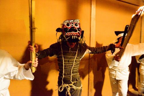 天念寺の翌日、国東市岩戸寺で修正鬼会がありました。<br /> 岩戸寺の修正鬼会は、成仏寺と交代で隔年に開催されています。