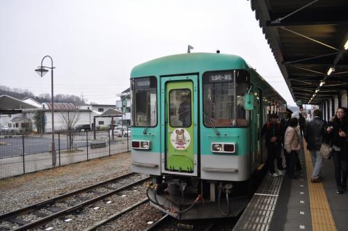 2017年2月3日から5日にかけて、鉄道旅行してきました。<br /> JR西日本管内の鉄道が3日間乗り放題の「おとなびパス」を使って、JR西日本管内の鉄道に乗るとともに、せっかくなので、北陸新幹線グランクラス体験と寝台特急「サンライズ出雲」とを組み合わせた、少しリッチな鉄道旅行になりました。<br /><br /> 2月3日(金)<br /> 高岡-新高岡-上越妙高-東京-<br /> 2月4日(土)<br /> 安来-鳥取-東郡家-鳥取-智頭-津山-岡山-総社-岡山-広島-新下関-下関 (泊)<br /> 2月5日(日)<br /> 下関-宇部-居能-雀田-長門本山-雀田-小野田-宇部新川-新山口-姫路-寺前-和田山-谷川-西脇市-粟生-北条町-粟生-加古川-大阪-金沢-高岡<br /><br /> 次は、北条鉄道線に乗ります。