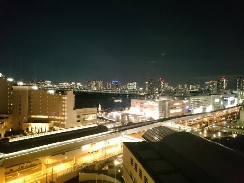 4泊5日の日本帰国にエミレーツのビジネスクラスを利用しました。<br /><br />このタイミングだからかもしれませんが、カタール発着カタール航空のビジネスの半額程のお値段でした。<br /><br />2泊は東京のお台場、2泊は地元福島に宿泊しました。<br /><br />個人的にはドバイ→ドーハでA380を体験出来たのが良かったです。