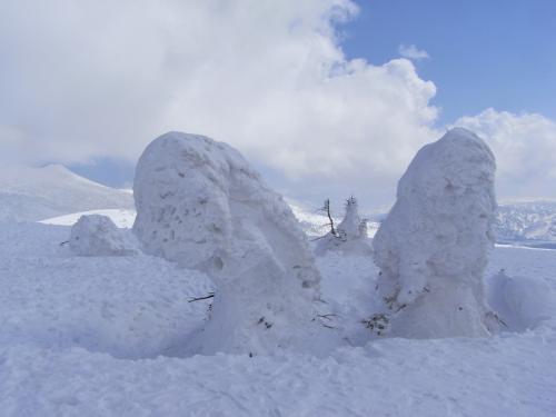 今年も酸ヶ湯温泉に滞在して八甲田山で春スキー