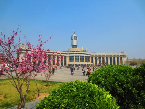 2017年春の中国旅行<br /><br />3月31日~4月2日、5日:北京<br />4月3日~4日:天津<br /><br />天津旅行ではかなりの距離を歩くとともに<br />かなりの時間並ばされた。<br /><br />♪ 歩いて歩いて歩いて歩いて歩いて歩いて歩いて歩いて歩いて<br />♪ 並んで並んで並んで並ぶ~<br />(昭和のある歌曲でどうぞ)