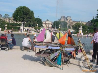 パリの公園から(チュールリ公園)