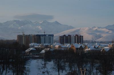 キルギス−雪のビシュケク(その1)