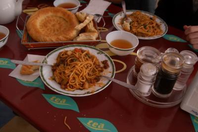 タシケントのランチ(1)−ウイグル料理ラグマン