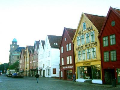 ノルウェー3・・ベルゲン、ブリッゲン地区と朝市