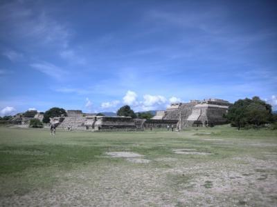 モンテ・アルバン遺跡