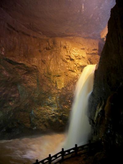 雲南省之旅(4)世界遺産石林と九郷鍾乳洞