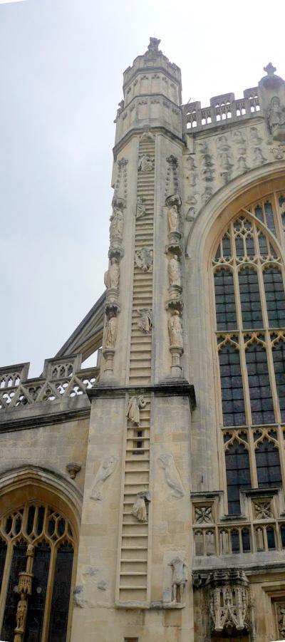 uk113教会なのに修道院(アベイ・Abbey)と呼ばれ、登り降りする天使いるバース・アベイin バース